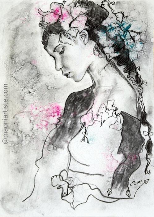 PORTRAIT de femme romantique au fusain et pigments sur papier, portrait de profil d'une femme de l'artiste Maoni